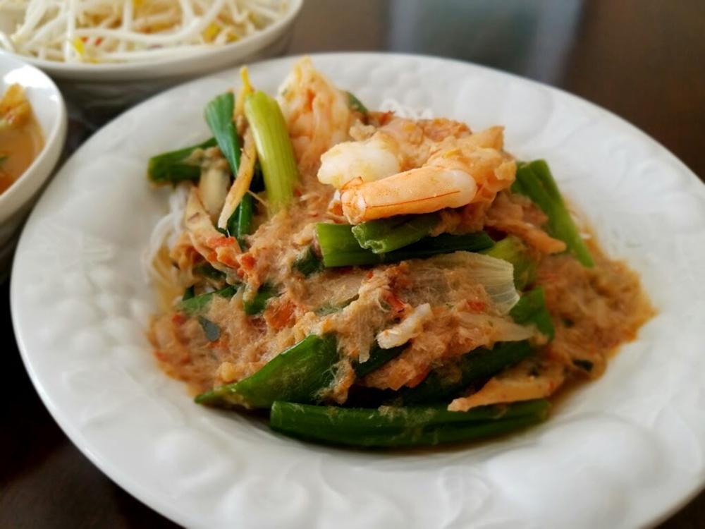ขนมจีนน้ำยาป่ากุ้งสด