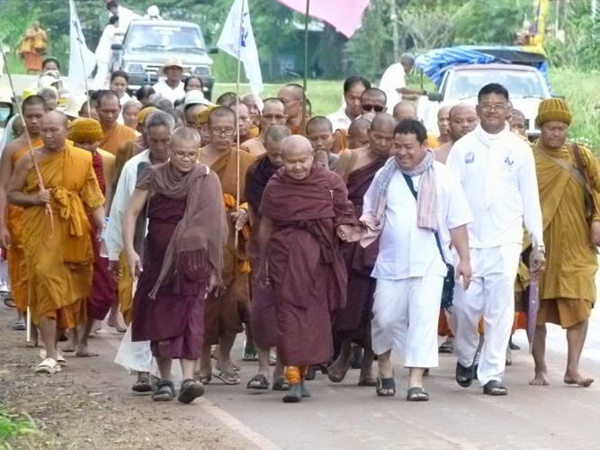 002 หลวงพ่อพระครูศรี จาริกธุดงค์เฉลิมพระเกียรติ ครั้งที่ 19